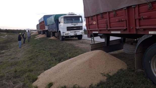 Video: Mira el apriete que les hacen a los camioneros en Salta para que vayan al paro