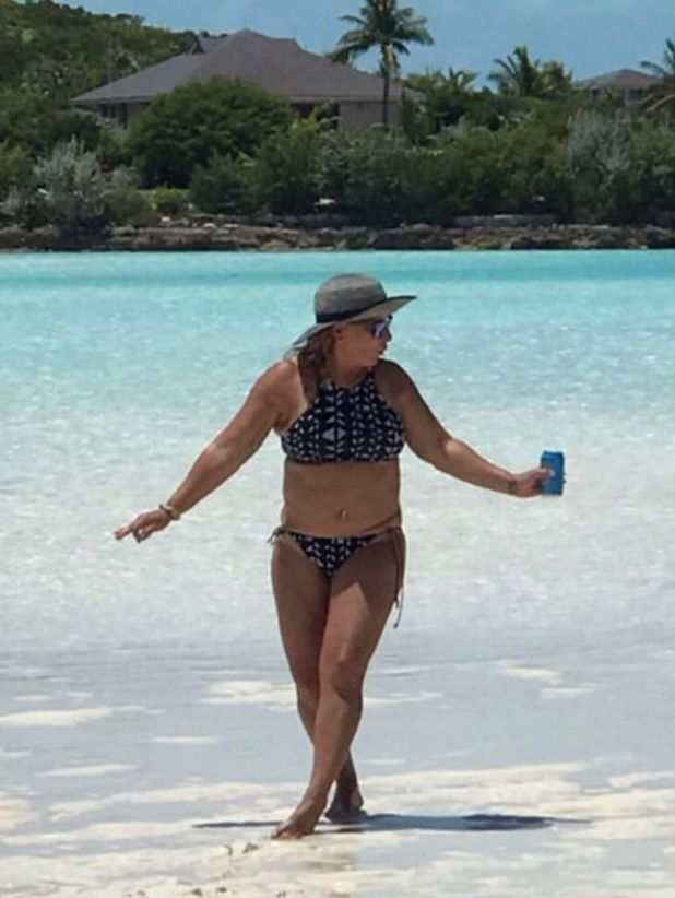Ana María Polo en bikini a los 59 años