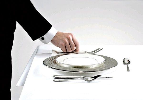 10-consejos-del-manual-de-protocolo-en-la-hosteler-a-para-servir-una-mejores-fotos-como-mesa (1)