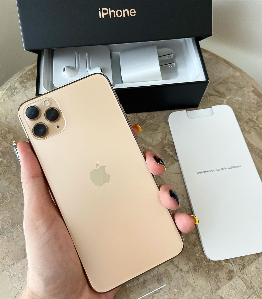 apple iPhone 11 pro max gold new