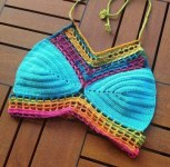 brasier-tejido-a-crochet-de-colores