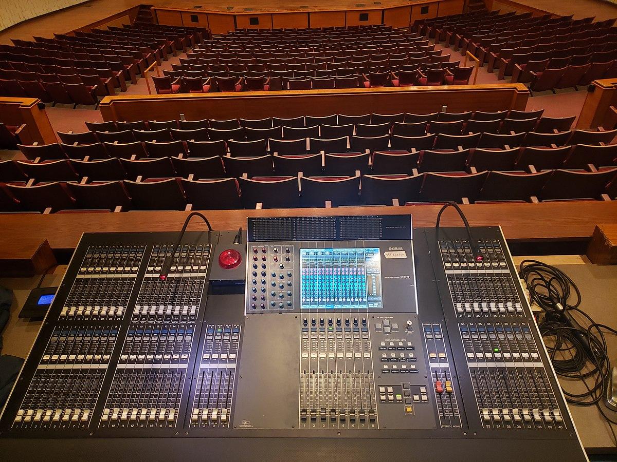 Consolas de sonido Instalaciones Promusic Cia. Ltda.