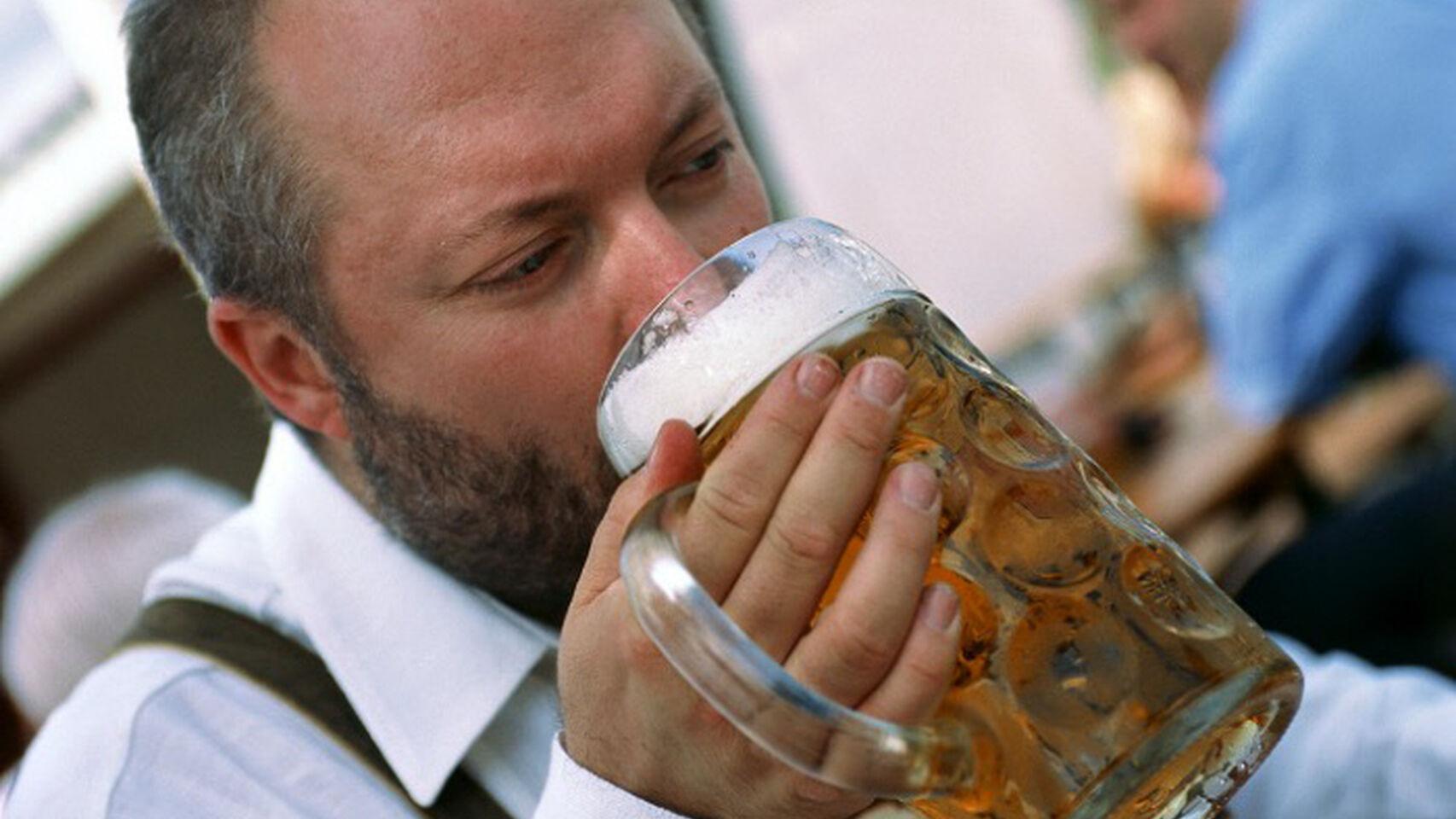 Alcohol-Alcoholismo-Adelgazamiento-Nutricion_478963265_149445680_1706x960