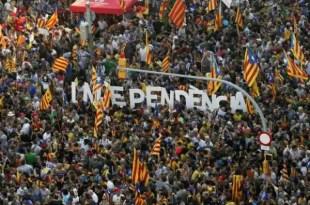 Marcha multitudinaria pide: 'Cataluña, Estado de Europa'