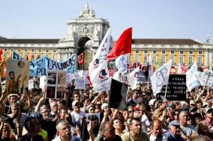 Portugal aumentará los impuestos en 2013 para bajar el déficit público