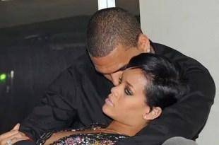Rihanna y Chris Brown se encierran media hora en el baño de una discoteca