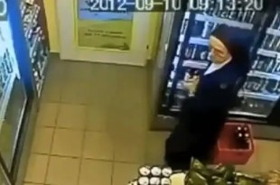 Insólito: Monja roba cervezas en supermercado