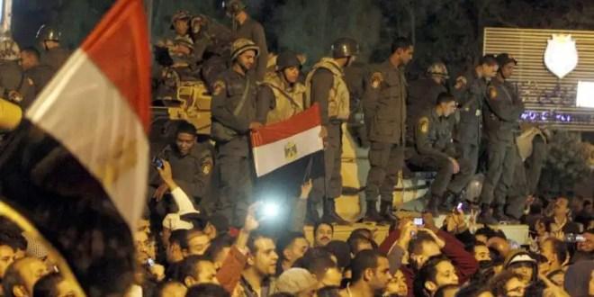 Los egipcios vuelven a protestar contra Morsi