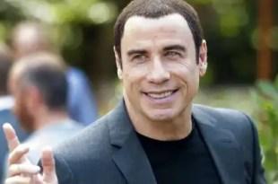 John Travolta ahora es curandero