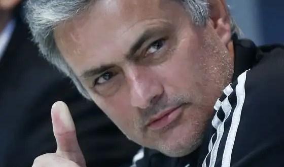 Mourinho ofrece sus servicios al Chelsea