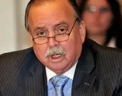 Ex embajador de Panamá: 'Chávez murió hace cuatro días' - Vídeo