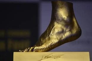 El pie izquierdo de Messi ahora es de oro - Fotos