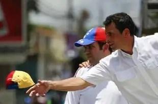 Maduro sugiriere que Capriles es gay y pierde votos