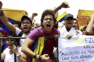 El chavismo amenaza con detener a Capriles