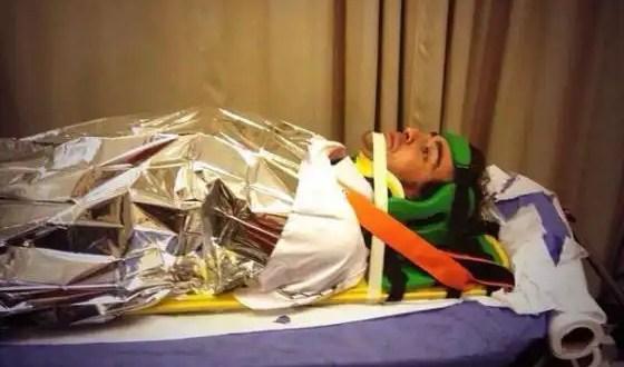 Fernando Alonso es trasladado al hospital tras recibir un fuerte golpe en la espalda