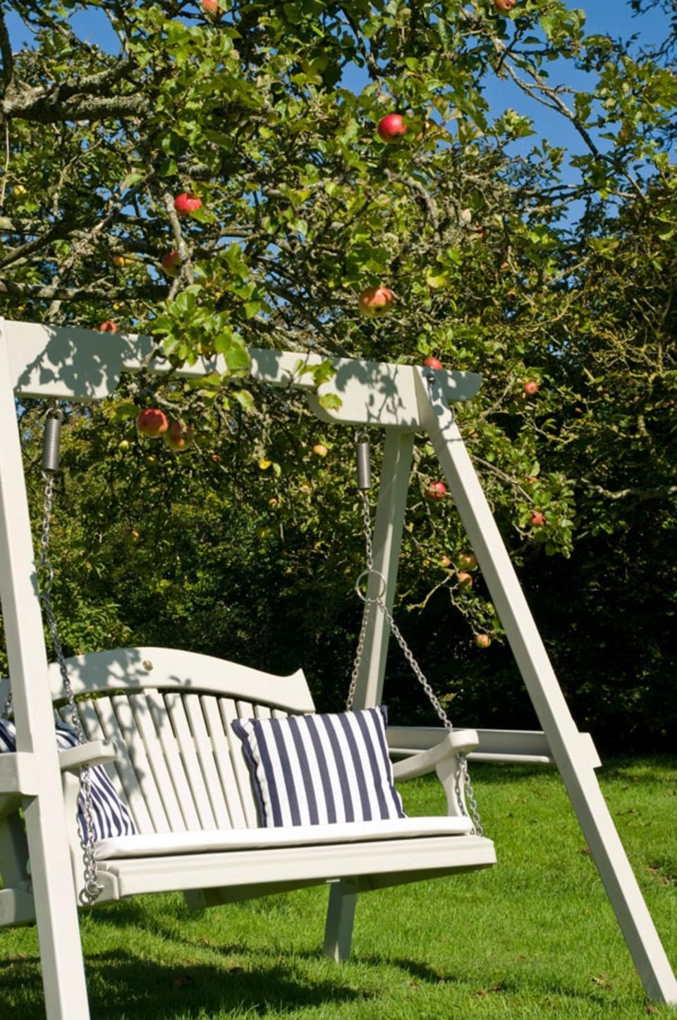 white swing chair uk custom slipcovers for chairs garden seats | sitting spiritually