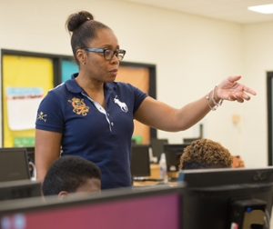 "Amanda Garner-Brooks instructs ""Digital East St. Louis"" students."