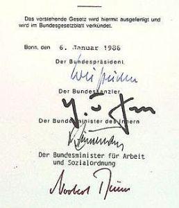 Unterschriften auf der Ausfertigung des Bundesarchivgesetzes, Quelle: BArch B 463