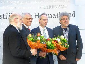 Gruppenfoto nach den Wahlen: Verwaltungsrats-Vorsitzender Dr. Ingo Fiedler, bisheriger WHB-Vorsitzender Dr. Wolfgang Kirsch, sein Nachfolger Mathias Löb sowie Dieter Tröps (v.l.n.r.), Foto: Bernd Brandemann