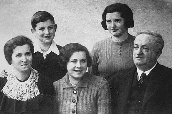 Mathilde, Jakob, Betty, Fanny und Siegmund Hochmann, 1938. Foto: Aktives Museum Südwestfalen.