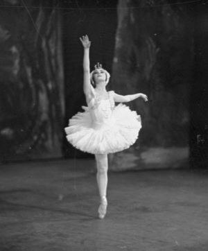 "Odette from Ballet Russes' ""Swan Lake"" (Source: National Library of Australia/Flickr)"