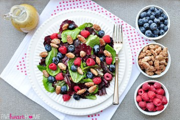 spring salad with mixed berries candied almonds and honey citrus vinaigrette Spring Salad Recipes | Healthy Recipes | Salad Recipes | Strawberry Spinach Salad | Best Salad Recipe | Vegan Recipes | Healthy Recipes | Healthy Meals | Salad Ideas | Easter Recipe Ideas | Easter Ideas