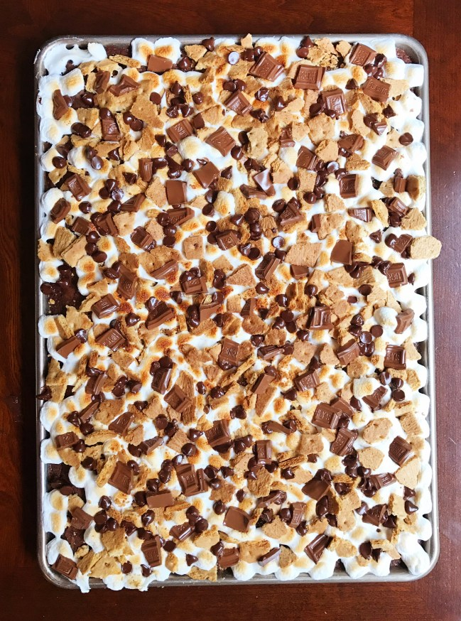 S'mores Bars To Feed A Crowd   July 4   Sheet Pan Dessert   4th of July   Recipe   Dessert   Chocolate   S'mores   Campfire   Hershey's   Dessert Bars   Marshmallow   For A Crowd
