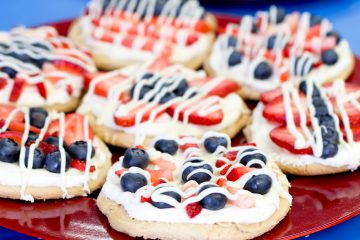 Mini Fruit Pizzas | Fruit Pizza Recipe | Fourth of July Dessert | Berry Pizza | Fourth of July Pizza | Make these mini fruit pizzas with blueberries and strawberries for your Fourth of July celebration!