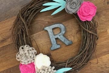 Felt Flowers DIY | DIY Wreath | Spring Decor | DIY Farmhouse Decor | Spring Wreath | Wreath Tutorial | Felt Flower Tutorial |
