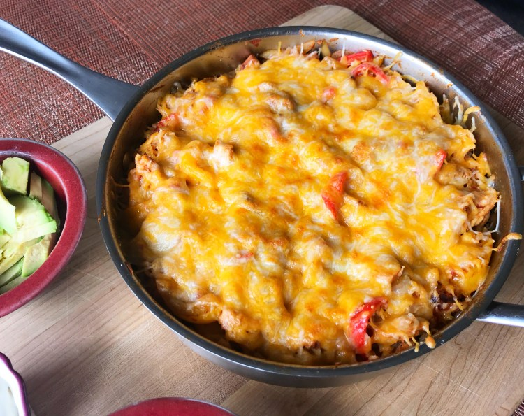 Skillet Chicken Fajita Rice | Tex Mex Meals | Tex Mex Chicken | Tex Mex Chicken Casserole | Fajita Mix | Fajita Recipe | Mexican Food | Mexican Dishes with Chicken | Mexican Dish Recipes | Mexican Dishes to Make | Mexican Casserole with Rice | Mexican Casserole Chicken | Skillet Meals | Skillet Meals with Chicken | Easy Dinner Ideas | Easy Dinner Recipes | Six Clever Sisters