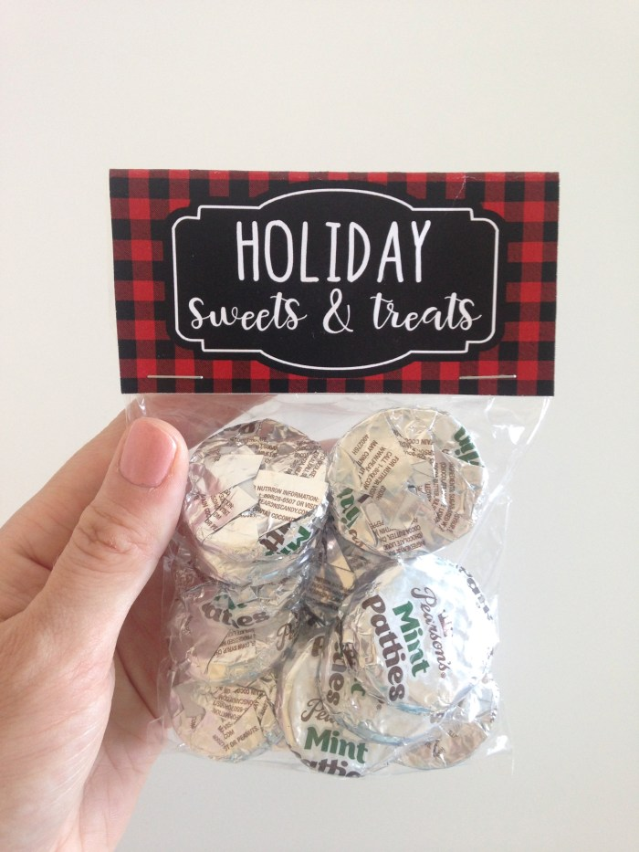Buffalo Plaid Treat Bags   Buffalo Plaid Treat Bag Toppers   Buffalo Plaid Printable   Buffalo Plaid Party Printables   Free Buffalo Plaid Party Printables   Buffalo Plaid Christmas Printables   Treat Bag Ideas   Treat Bag Toppers   Treat Bag Topper Template   Christmas Treat Bag   3 different free printable buffalo plaid treat bag toppers to attach to clear plastic treat bags. #buffaloplaid #treatbag #printables #sixcleversisters