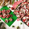 Cookies & Cream Pretzels | Cookies n' Cream | DIY Gift | Christmas 2018 | Christmas Candy | Christmas Chocolate | Chocolate Bark | Christmas | Chocolate Covered Pretzels | Chocolate Pretzel Rods | Chocolate Pretzels | Chocolate Pretzel Bark | DIY Christmas Gifts | Candy Recipe | Holiday Snack | Find this simple recipe at Six Clever Sisters!
