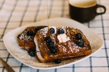 Blueberry Stuffed French Toast | French Toast | Stuffed French Toast Recipe | Easy French Toast Recipe | Taking brunch to a whole new level with this recipe! It's so delicious and so easy to make . . . find the recipe at SixCleverSisters.com.
