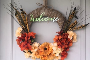 Fall Wreath | Dollar Tree | Autumn Decor | Easy Handmade Wreath | Dollar Tree Decor | Dollar Tree Hack | DIY Fall Wreath | DIY Fall Decor | Cheap Fall Wreath | Dollar Tree has all the florals and supplies you need to make yourself a beautiful fall wreath this year! Find out how I made mine at SixCleverSisters.com