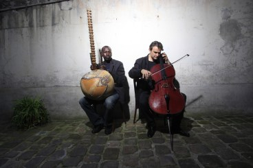 L-R: Ballaké Sissoko & Vincent Segal (photo by Claude GASSIAN)