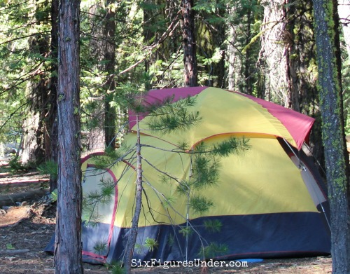 You can camp like a pro without the cost of pro gear. Here are some awesome tips to save money on camping.