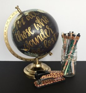 Christmas presents for traveers - Personalized World Globe