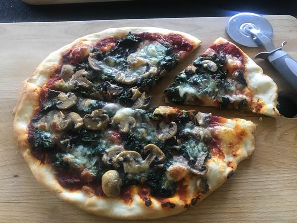 pizza met spinazie