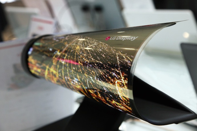 CES 2016_18 inch Rollable OLED