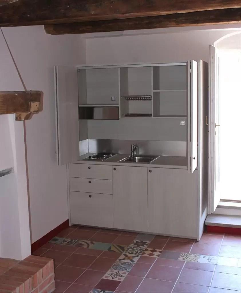 Mini Cucine monoblocco a scomparsa progettate per piccoli