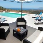 Pool Ferienhaus auf Sizilien