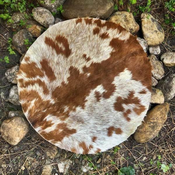 gedroogde geitenhuiden voor sjamanendrums