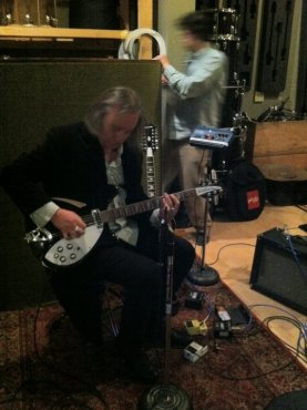 Peter Buck getting his tone perfect. Beautiful Rickenbacker guitar.