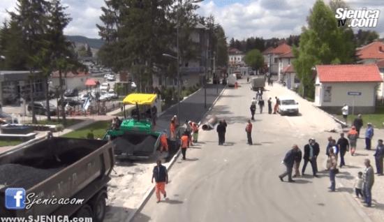 Asfaltiranje trotoara - maj 2015 - Sjenica