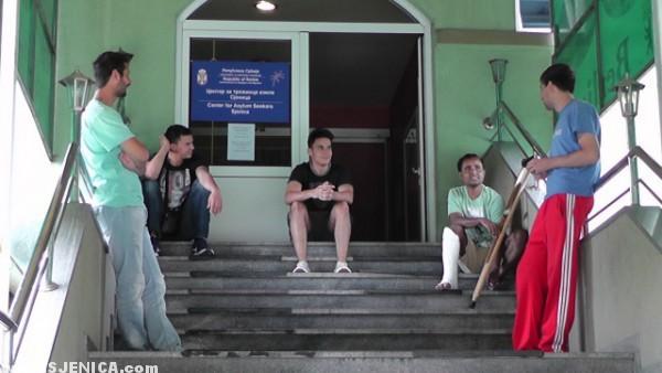 Boravak u Srbiji, Azilanti u Sjenici