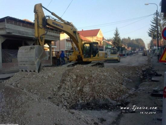 Radovi na drugom delu glavne ulice - Sjenica 14.12.2014.