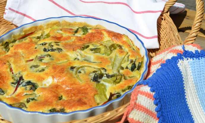 paj med bladgrönsaker