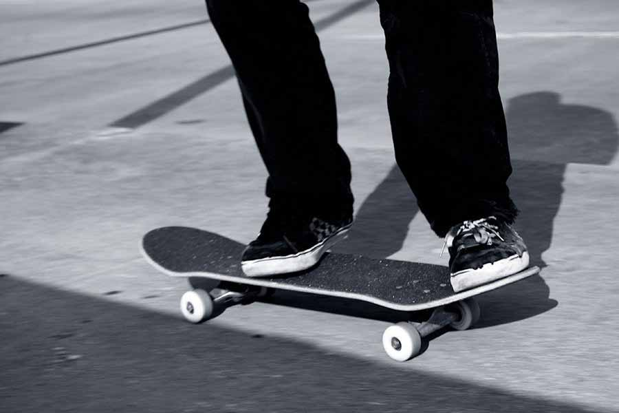 Good skateboards for beginners_best skateboard for beginners adults_types of skateboards_skateboard decks_complete skateboards_skateboard size chart_how to buy a skateboard_skateboard buying guide