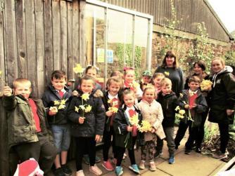 Dalintober school children