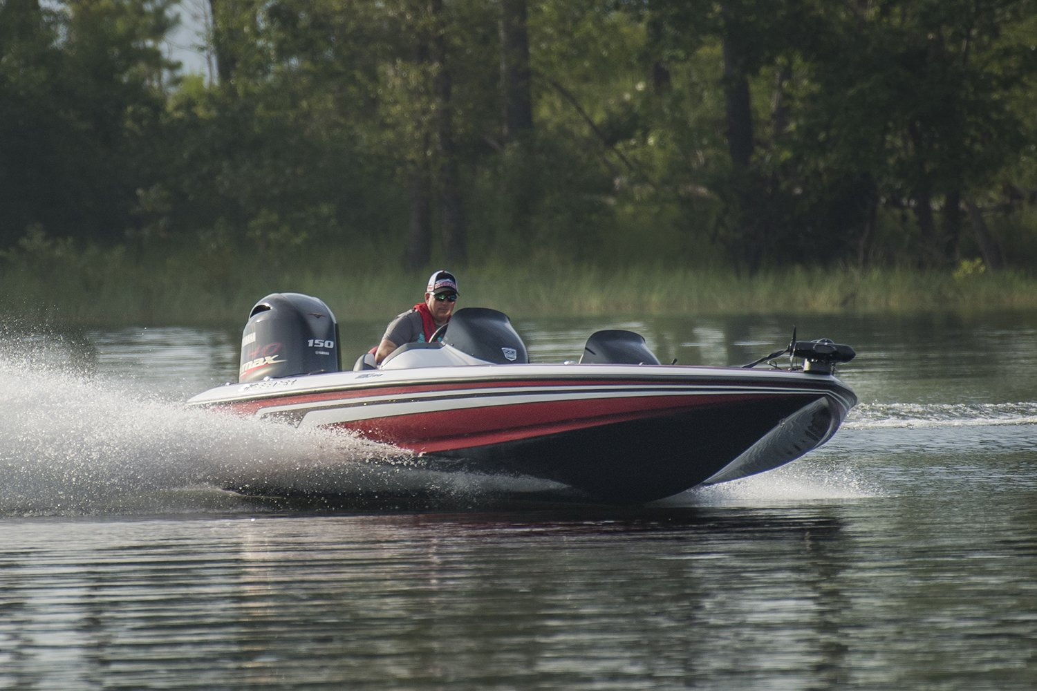 hight resolution of safe bass boat makes controlled turn